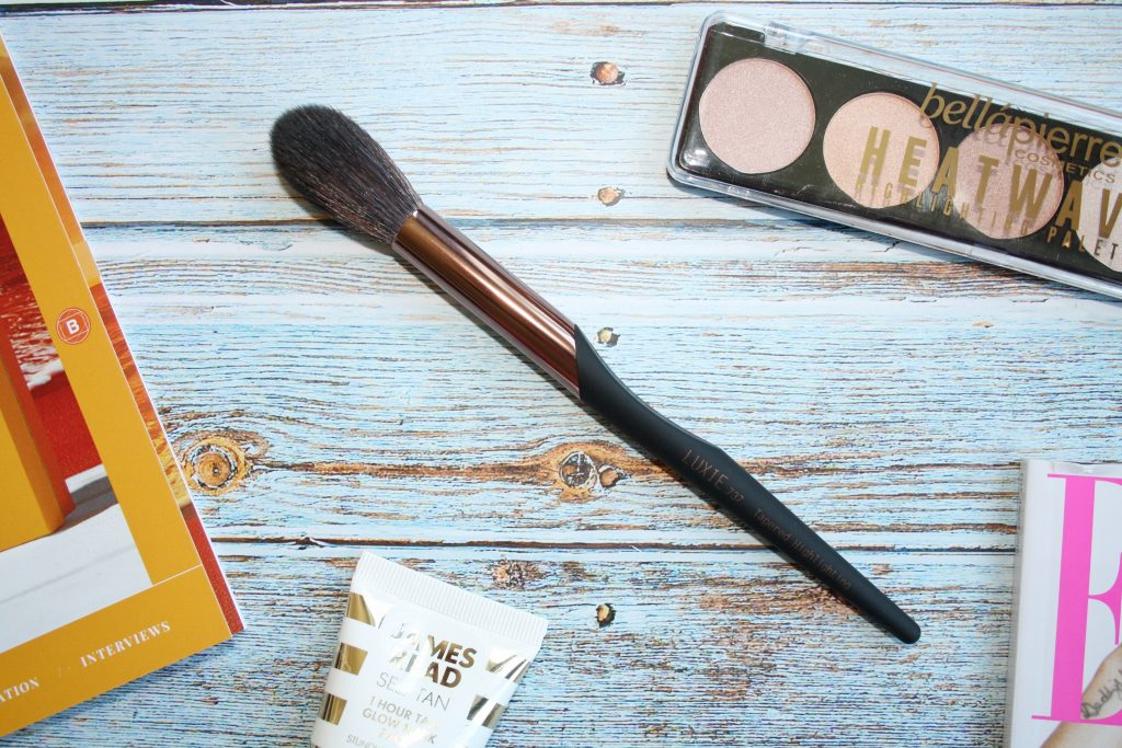Luxie 737 Tapered Highlighter Brush